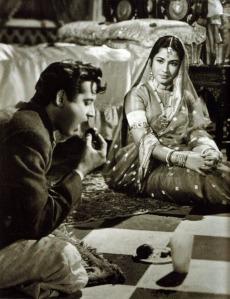 Choti Bahu and her attendant, Meena Kumari and Dutt in 'Sahib Bibi Aur Ghulam'.